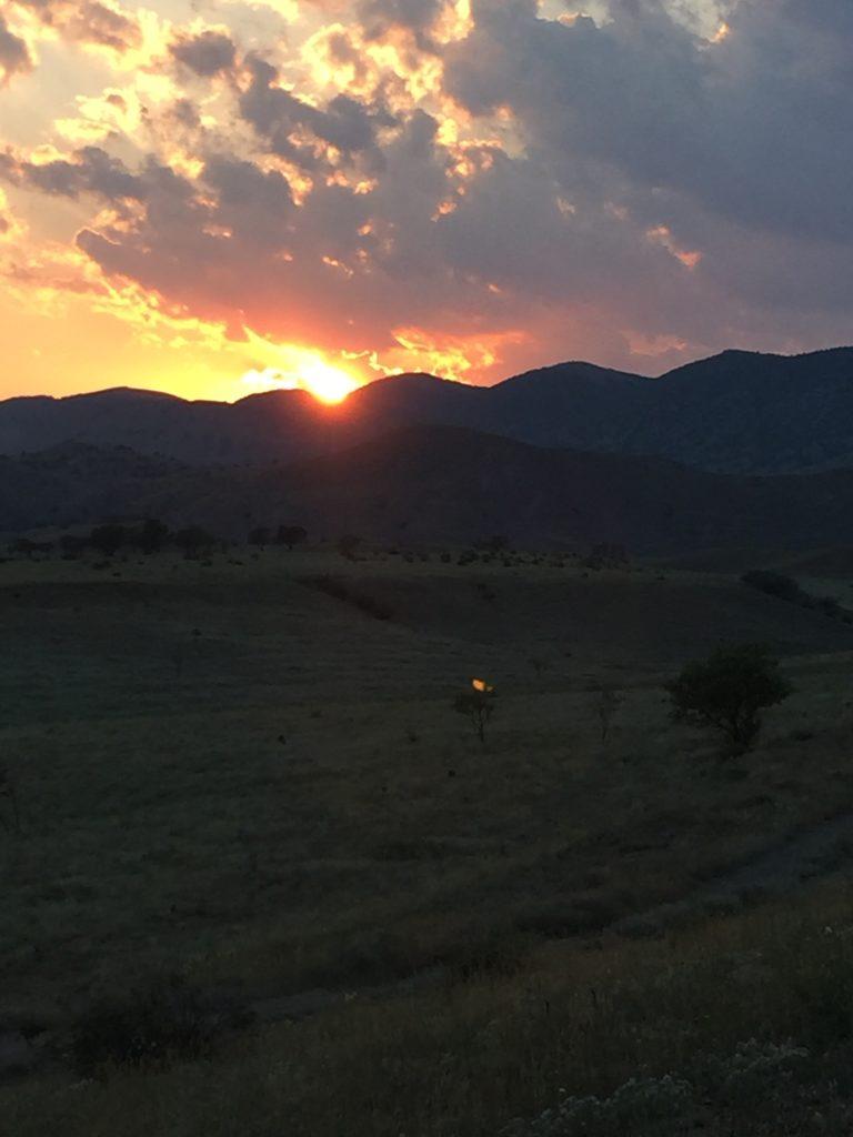 Горы. Закат солнца